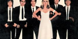 """Heart Of Glass"" com a  banda Blondie."