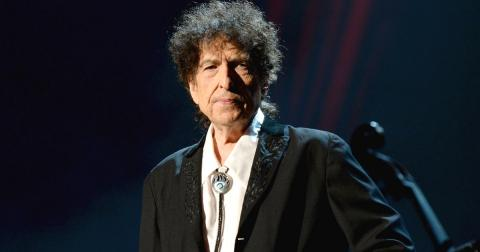 BOB DYLAN CANTA 'THE MAN IN ME'.